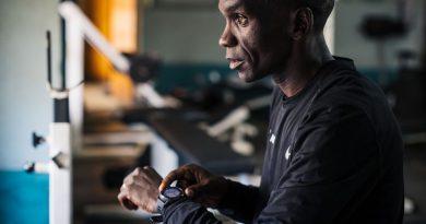 Najszybszy maratończyk na świecie biega z zegarkiem COROS