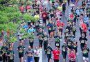 Organizatorzy tracą cierpliwość. Chcą zasypać rząd zużytymi butami i odzieżą sportową